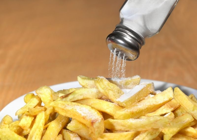 مواد غذایی که باید از خوردن آنها اجتناب کنید